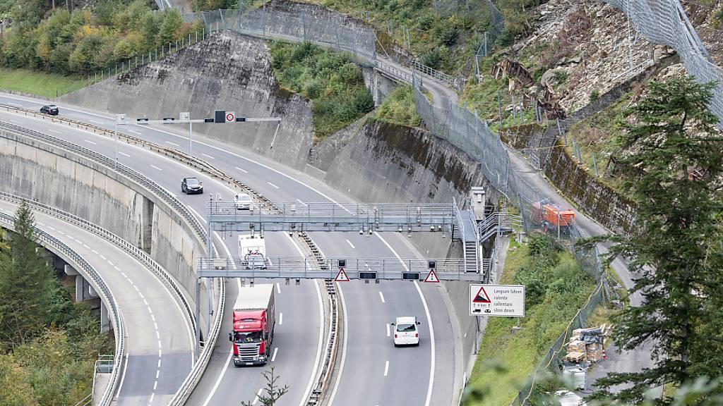 Fürs Verkehrsmanagement auf der Autobahn erhält der Kanton Uri künftig etwas weniger Geld vom Bund. (Archivbild)