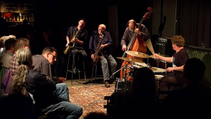 Ellery Eskelin, David Liebman, Anthony Joseph Marino und Jim Black (v.l.) spielen in der Stanzerei.