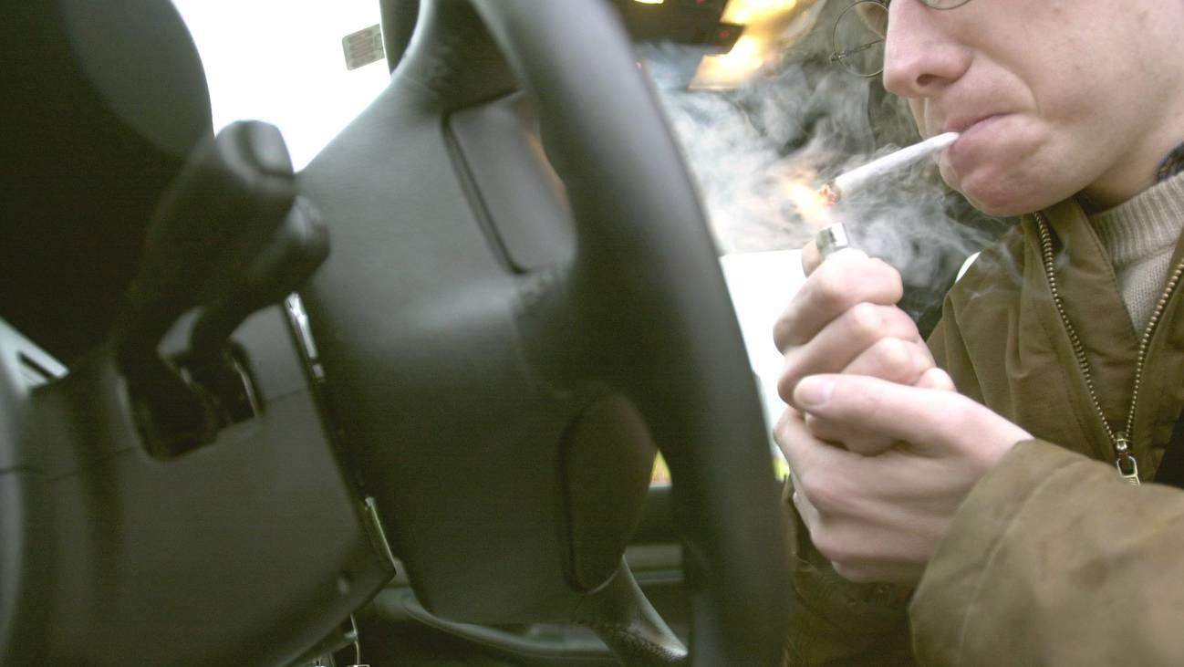 Die Nulltoleranz bei Fahren unter Einfluss des Cannabis-Wirkstoffs THC bleibt bestehen (Symbolbild)