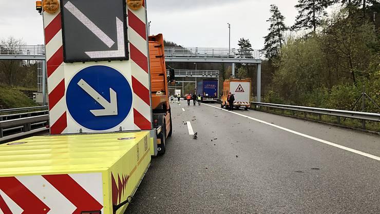 Auf der Höhe dieser Fahrbahnverengung kam es zum schrecklichen Unfall mit drei Toten.
