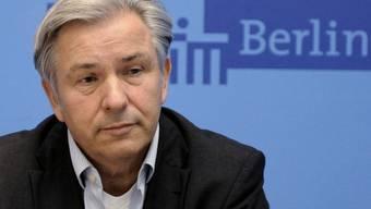Berlins regierender Bürgermeister Klaus Wowereit gibt das Scheitern der Gespräche bekannt