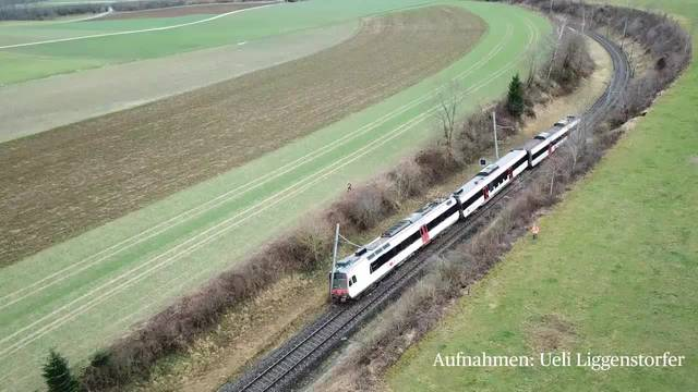 Zug durch Erdrutsch entgleist: Drohnen-Aufnahmen der Unglücksstelle in Lommiswil