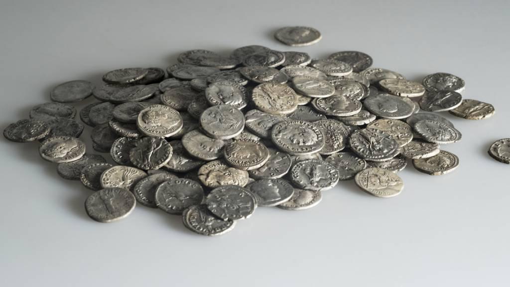 Der Wert der 293 in Pratteln BL gefundenen römischen Münzen entsprach ungefähr dem halben Jahreslohn eines Legionärs.