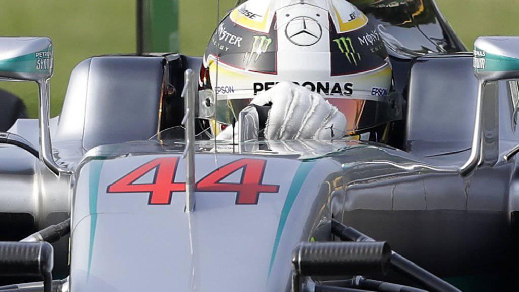 Lewis Hamilton im Mercedes mit der Nr. 44 erzielt am 1. Trainingstag in Monza die Bestzeit