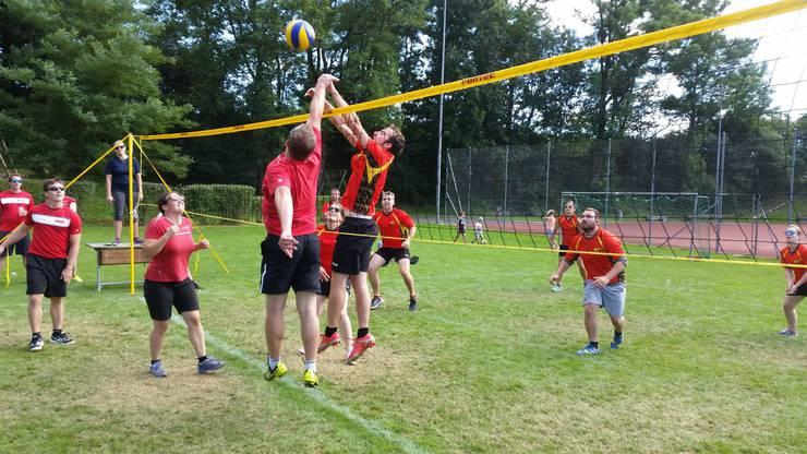 Voller Einsatz am Volleyball Turnier in Subingen