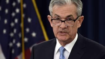 Die Währungshüter um Fed-Chef Jerome Powell beliessen den geldpolitischen Schlüsselsatz am Mittwoch in der Spanne von 2,25 bis 2,5 Prozent. (Archivbild)