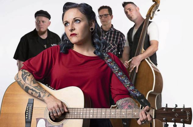 Mary ist Frontfrau der Band «B-Shakers» aus Erlinsbach.
