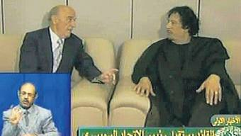 Screenshot vom libyschen TV, welches das Treffen zwischen Merz und Gaddafi filmte. (Libyan TV)