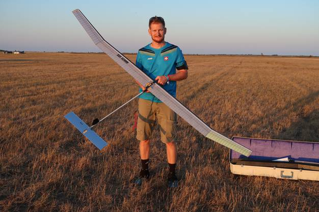 Michael Bleuer mit einem F1A-Freiflug-Modell