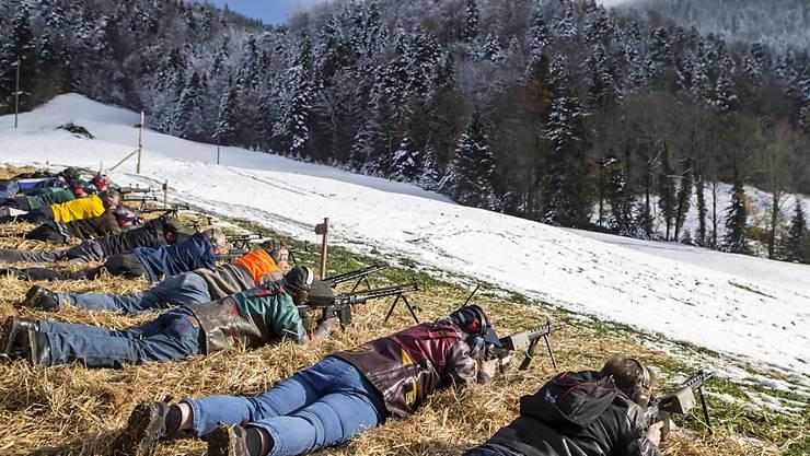 Die Schweiz muss das neue EU-Waffenrecht übernehmen. Die Schützen wehren sich. (Archivbild)