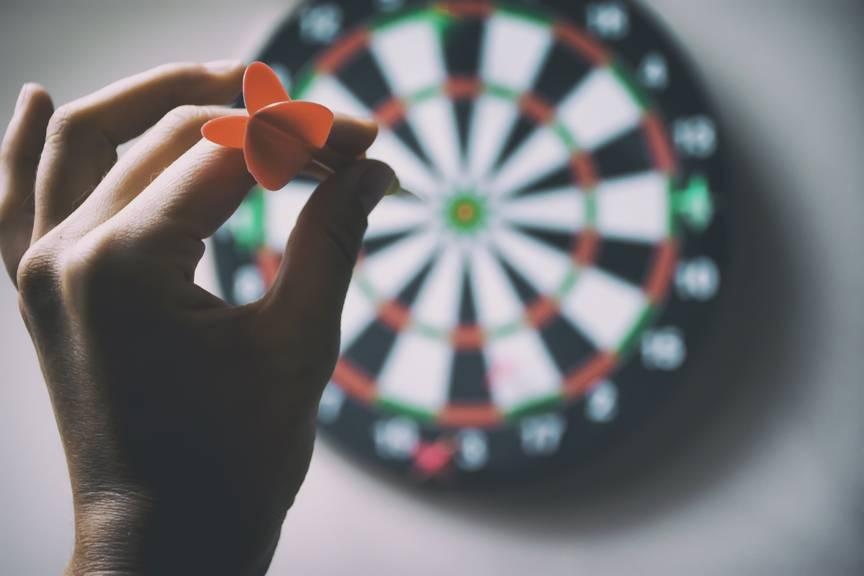 16 Teilnehmer messen sich am ersten Darts Turnier im Casino Bad Ragaz. (Symbolbild: iStock)