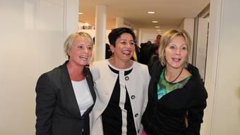 Elisabeth Schneider-Schneiter (CVP), Daniela Schneeberger (FDP) und Maya Graf freuen sich zusammen über ihre Wiederwahl.