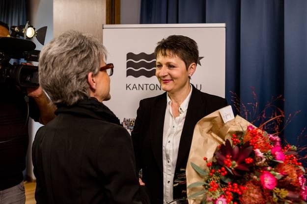 2016 kandidierte Bally für die Aargauer Regierung. Hier gratuliert sie Franziska Roth, der sie unterlag.