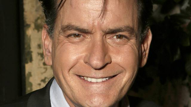 """Charlie Sheen hat gut lachen: Seine Serie """"Anger Management"""" geht in die Verlängerung"""