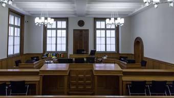 Eine 31-Jährige muss sich heute vor dem Bezirksgericht verantworten. (Archivbild)
