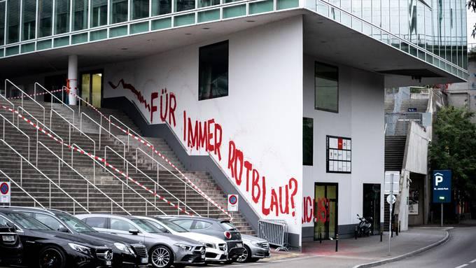 FC Basel: Protest gegen Verkauf an Engländer