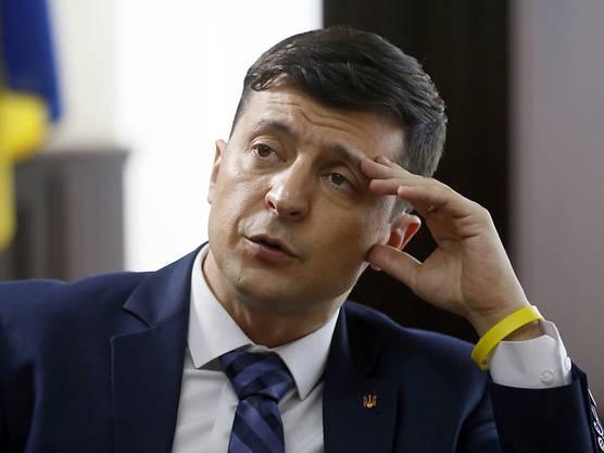 Dies, nachdem im September 2019 bekannt wurde, dass Trump im Juli 2019 den kurz davor ins Amt gekommenen ukrainischen Präsidenten Wolodymyr Selenskyj (Bild) telefonisch um ...