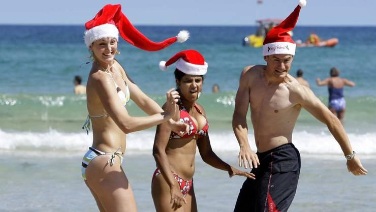 Down Under ist Hochsommer und so wird halt eben auch am Strand gefeiert.
