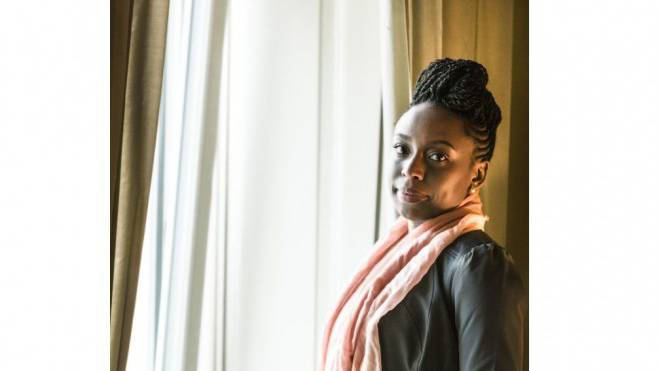 Chimamanda Ngozi Adichie (Autorin) kam als gebildete Afrikanerin in die USA und musste dort erfahren, wie schwarz sie ist. Foto: Chris Iseli