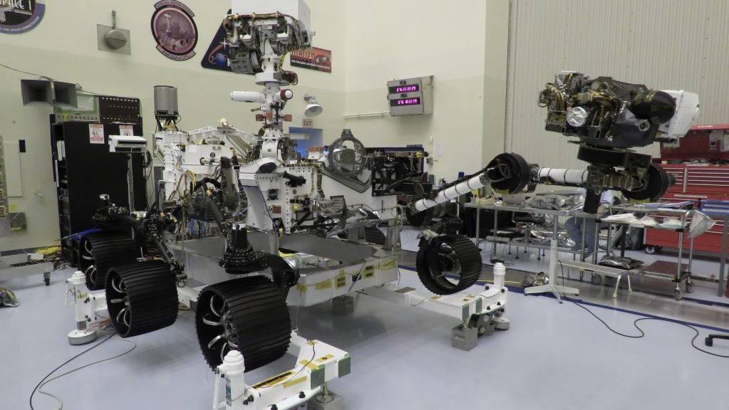Der Mars-Rover «Perseverance» wäre startklar, nur seine Trägerrakete ist noch nicht fit. Der Start wurde erneut verschoben - auf frühestens Ende Juli mit Zeitfenster bis Mitte August. (Bild Nasa)