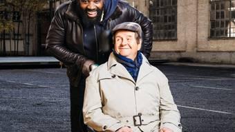 """Hanspeter Müller-Drossaart als Philippe Pozzo di Borgo in """"Ziemlich beste Freunde"""" im Casinotheater Winterthur. Wäre sein Vater nicht so schweigsam gewesen, dann wäre Müller-Drossaart vielleicht gar nie Schauspieler geworden. (Pressebild)"""