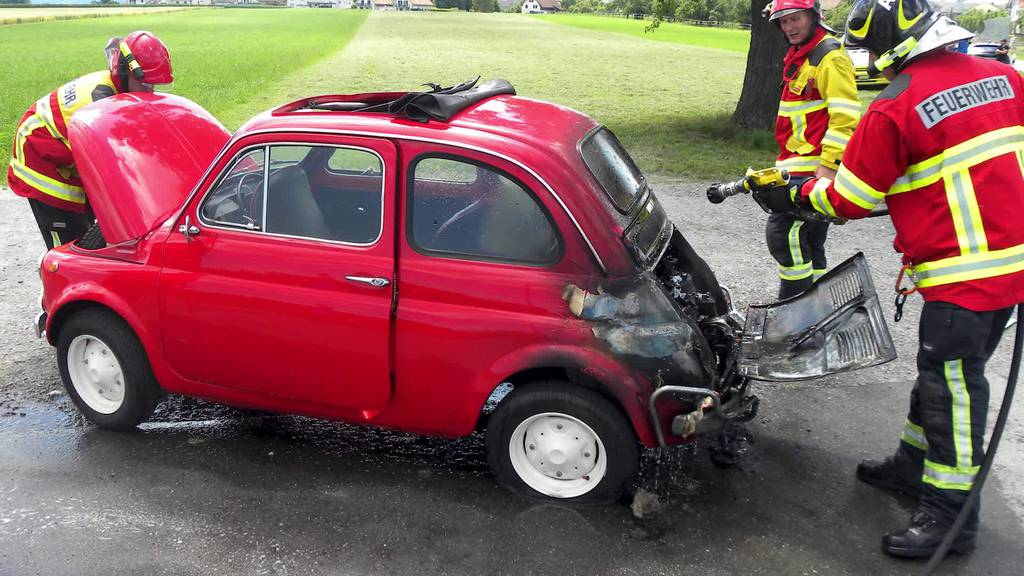 News: Autobrand, Stallbrand, Heftiger Unfall