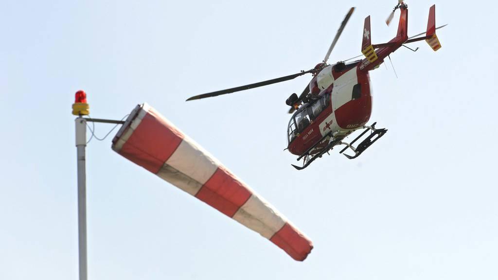 Die Rega kam in Fischingen wegen eines schweren Töffunfalls zum Einsatz. (Symbolbild)