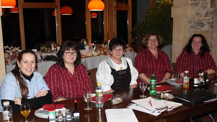 V.l.n.r.: Andrea Jegge (Beisitz), Karin Aeschbacher (Vize, Aktuarin), Rosi Küng (Präsidentin), Katrin Mettler (Finanzen), Manuela Herzog, (Beisitz).