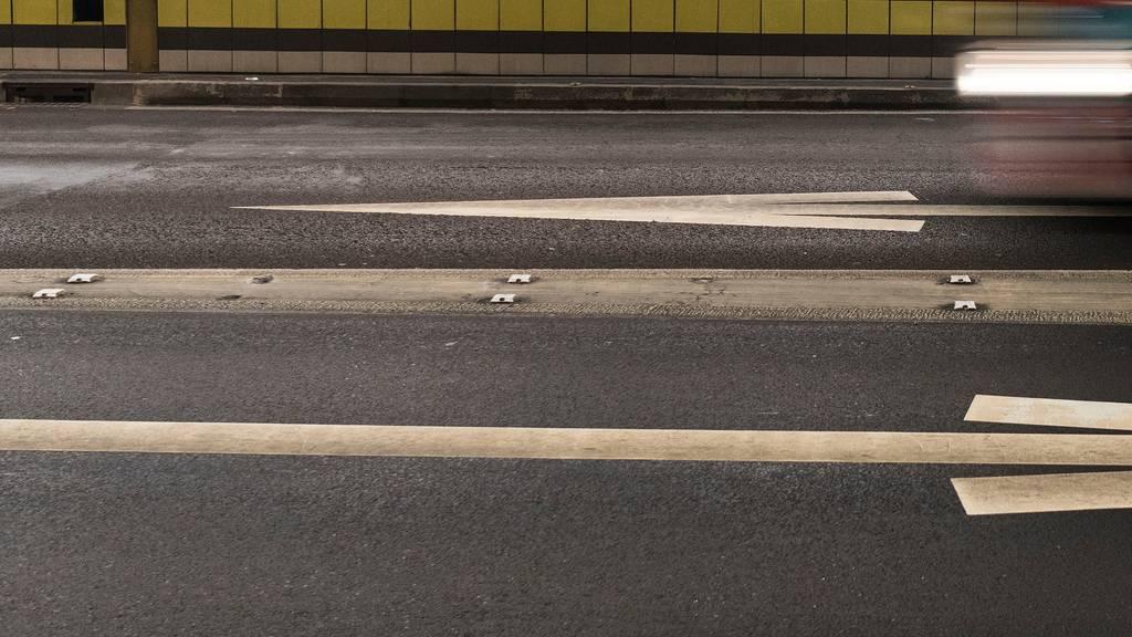 Italiener überholt im Gotthard-Tunnel vier Autos