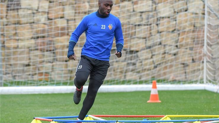 Seit Wochen trainiert Eder Balanta allein. Unterdessen sprintet er wieder und tastet sich langsam ans Team heran.