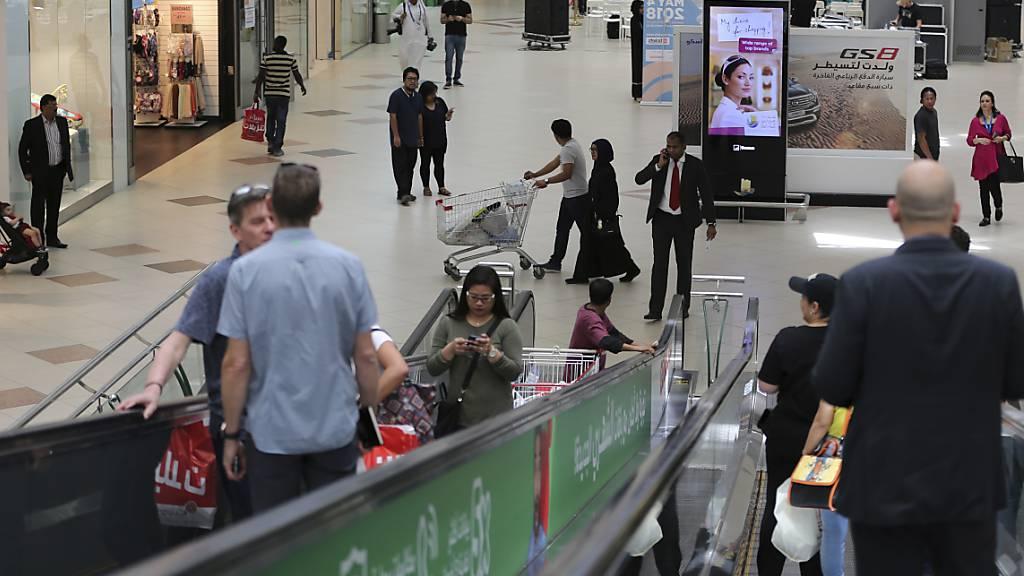 Geschäfte in Katar schliessen bis Ende Mai