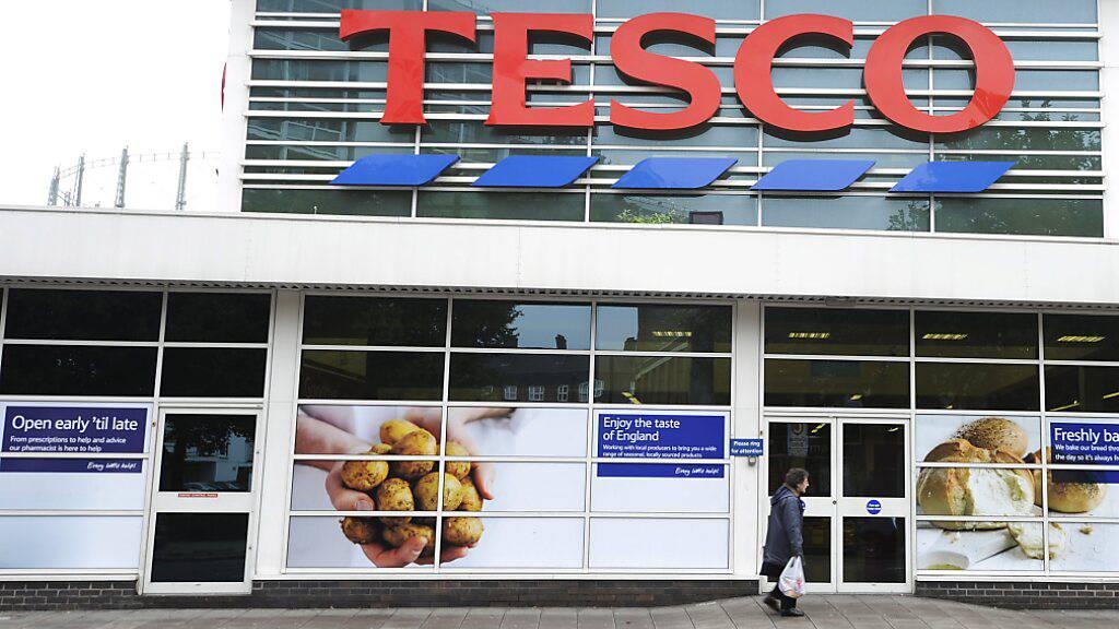 Britische Supermarktkette Tesco lockt Fernfahrer mit Bonus