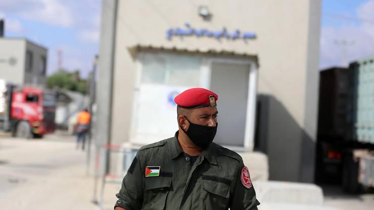 Kerem Schalom. Nach anhaltenden Angriffen mit Brand-Ballons aus dem Gazastreifen hat Israel den einzigen Grenzübergang für Warenlieferungen in das Küstengebiet geschlossen. Foto: Ashraf Amra/APA Images via ZUMA Wire/dpa