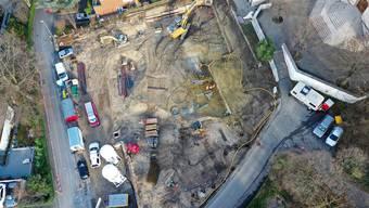 Die Baustelle vor der katholischen Kirche in Binningen ermöglichte seltene, weil grossflächige Grabungen.