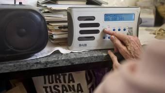 UBI nimmt Radio- und TV-Sendung unter die Lupe (Symbol)