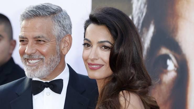 Taten statt Worte: Der Schauspieler George Clooney und seine Frau, die Menschenrechts-Anwältin Amal Clooney, spenden 100'000 Dollar für Flüchtlingskinder, die an der mexikanischen Grenze von ihren Eltern getrennt und interniert wurden. (Archivbild)