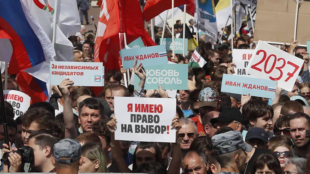 Tausende Moskauer protestieren für freie und faire Regionalwahlen