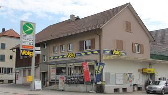 Die Lage an der Kantonsstrasse, die Verkaufsfläche sowie die Tankstelle sprechen laut Volg für regelmässigen Sonntagsverkauf.