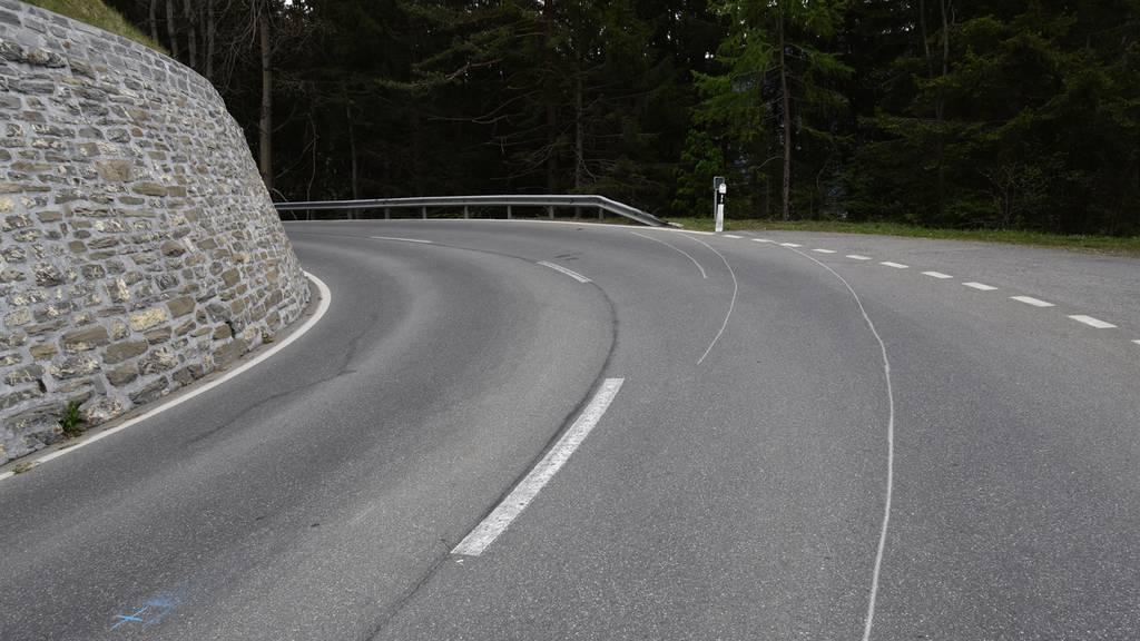 Zwei Todesopfer bei schwerem Verkehrsunfall