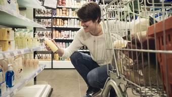 Gabi Schottroff beim Einkauf. Normalerweise spielt sie bei Sm'Aesch Pfeffingen Volleyball, die Saison wurde aufgrund des Coronavirus aber abgebrochen.
