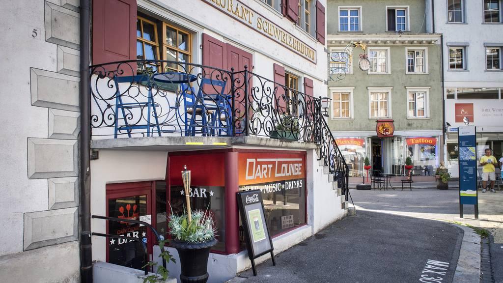 Dart-Lounge-Besitzer hat Banken überfallen
