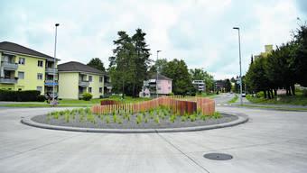 Sicher, rund und mit künstlerischem Anspruch statt Betonblöcken: Der neue Kreisel Birmensdorfer- und Feldstrasse in Urdorf.