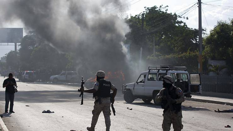 Haitis umstrittener Präsident Jovenel Moïse hat nach gewalttätigen Protesten zu Ruhe und Dialog in seinem Land aufgerufen.