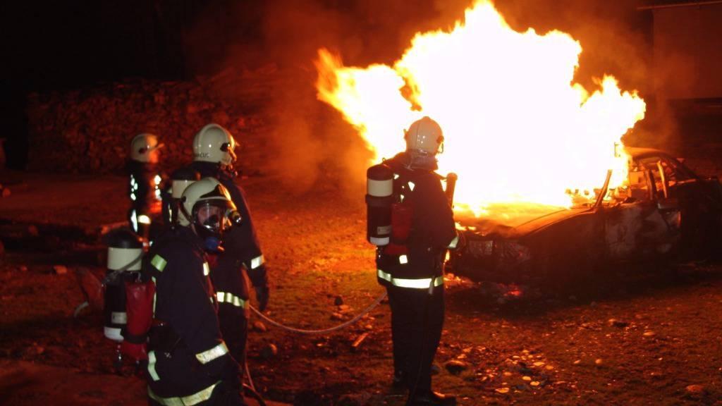 1'200 Autos in Frankreich abgefackelt