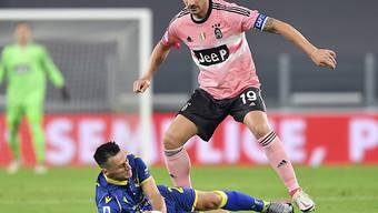 Im Verlaufe des Spiels gegen Hellas Verona schied auch noch Leonardo Bonucci als dritte Stammkraft in der Abwehr aus