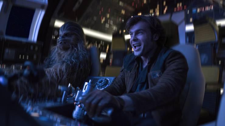 Bromance: Der Film «Solo – A Star Wars Story» zeigt, wie Han Solo (Alden Ehrenreich) und Chewbacca (Jonas Suotamo) Freunde werden.
