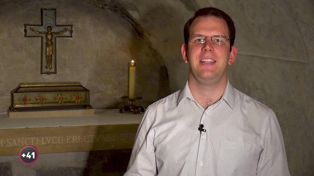 Matteo will Priester werden, zeigt aber auch seine profane Seite