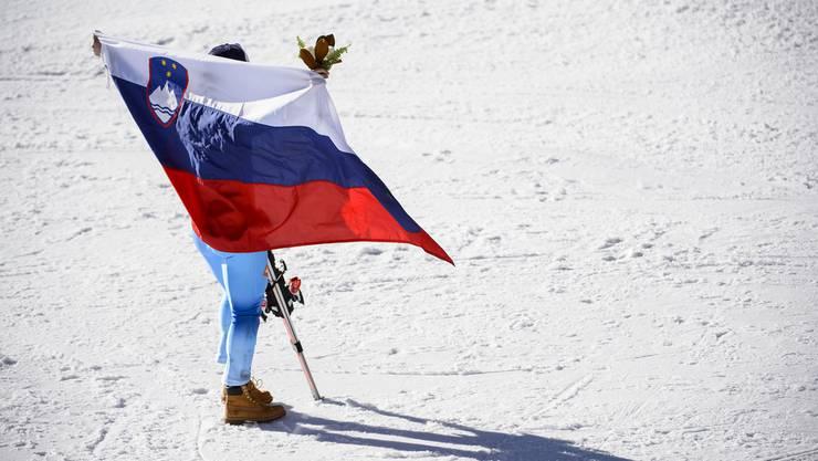 Tina Maze holt schon die dritte Medaille für Slowenien an diesen Weltmeisterschaften: zweimal Gold und einmal Silber.