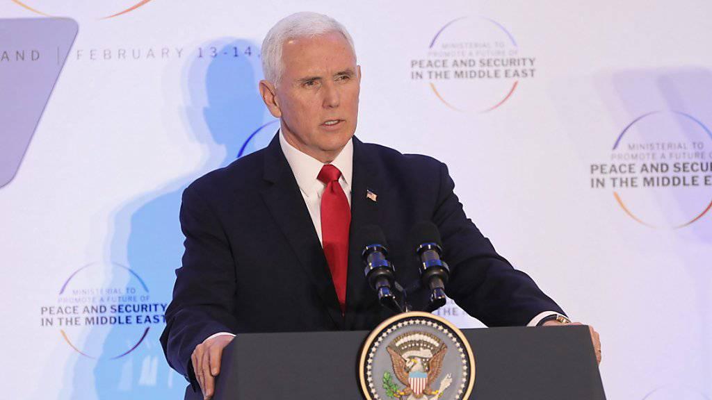 US-Vizeminister Mike Pence hat an der Sicherheitskonferenz in Warschau am Donnerstag die EU eindringlich aufgefordert, das Atomabkommen mit dem Iran fallen zu lassen.