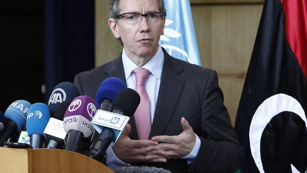 Der UNO-Gesandte für Libyen, Bernardino Leon, informiert Ende August in Marokko über die letzte Gespräche. Damals nahm das Parlament von Tripolis nicht teil. Bei den Gesprächen vom Donnerstag in Genf soll nun eine Delegation zugegen sein.